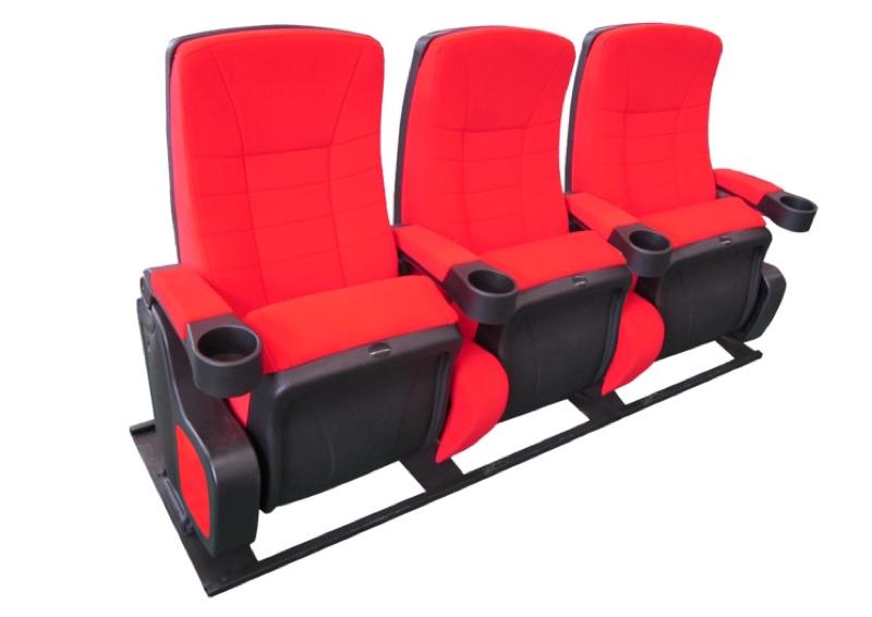 Cinehome de Luxe rood 3 zitter op een M-frame